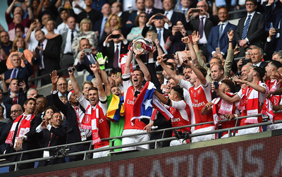 Arsenal thắng kịch tính Chelsea, vô địch Cup FA