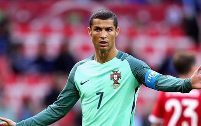 Ronaldo có thể nộp 13 triệu bảng để thoát tội