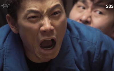 """""""Bị Cáo"""": Ai cũng phải thừa nhận Ji Sung """"diễn quá sâu""""!"""