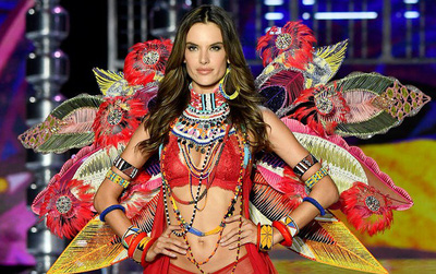 Alessandra Ambrosio chính thức giải nghệ sàn diễn Victoria's Secret, giã từ cánh thiên thần sau 14 năm gắn bó