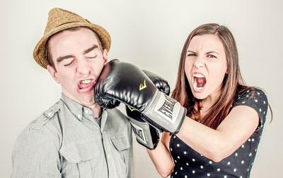Các cặp đôi sẽ không còn phải đau đầu mỗi khi hiểu lầm nhờ chiếc vòng đội đầu này