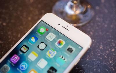 Chẳng biết iPhone đẹp thế nào nhưng có một điểm tệ hại iFan đã phải âm thầm chịu đựng suốt 10 năm qua