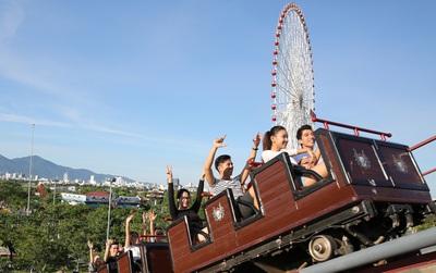 Trải nghiệm tàu lượn dạng treo cực đỉnh tại Asia Park