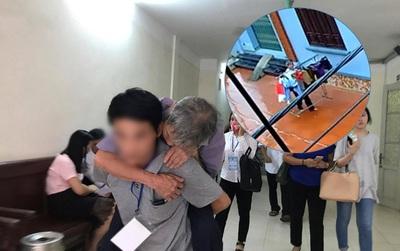 """Cha của bé gái 3 tuổi bị đối tượng 79 tuổi hiếp dâm: """"Ông ấy tỏ ra kiệt sức ở tòa nhưng về nhà vẫn đi lại phăng phăng"""""""