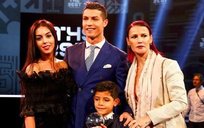 Ronaldo và Georgina đang âm thầm chuẩn bị cho đám cưới trong mơ