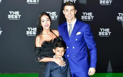 Georgina đầu quân cho công ty người mẫu nổi tiếng, Ronaldo mừng hay lo?