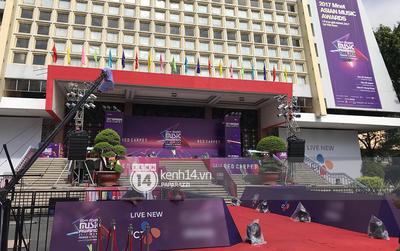 1 ngày trước MAMA 2017 tại Việt Nam: Nhà hát Hòa Bình đã được trải thảm đỏ, an ninh thắt chặt