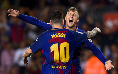 """Sao trẻ ghi """"bàn thắng ma"""", Barca nâng cách biệt với Real lên 8 điểm"""