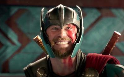 """Bom tấn """"Thor: Ragnarok"""" đạt được 100% điểm tích cực trên Rotten Tomatoes"""