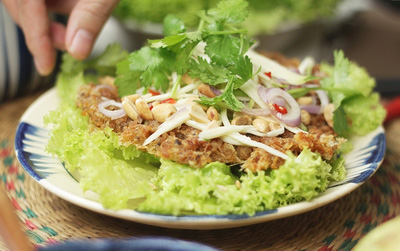 Gỏi xoài cá trê chiên xù kiểu Thái: Món ăn siêu ngon nhất định phải thử