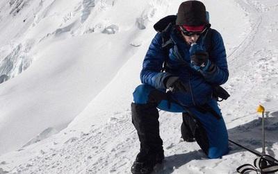 Chàng trai người Tây Ban Nha phá kỉ lục chinh phục đỉnh Everest