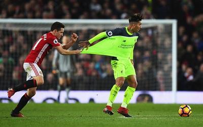 Trọng tài thiên vị Man Utd trong trận đại chiến Liverpool?
