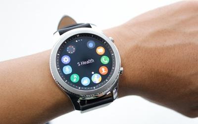 Cận cảnh smartwatch Gear S3 Classic: ngoại hình lịch lãm, pin trâu hơn và nhiều tính năng hữu ích