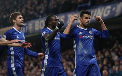 """Costa ăn mừng bàn thắng bằng động tác """"Câm mồm lại"""""""