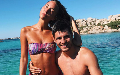 Morata gửi tình yêu đến vợ mới cưới qua cách ăn mừng bàn thắng