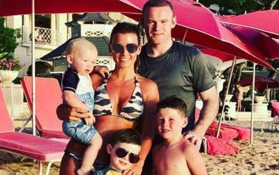 Vợ Rooney vui mừng khoe mang bầu lần thứ tư