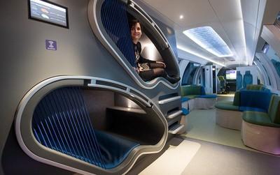 Hết ô-tô, giờ đến tàu điện cũng tự động lái: Có ghế chống rung, máy tính bảng, phòng tập gym với trợ lý ảo