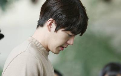 Kim Woo Bin từng giấu bố mẹ về bệnh tình, nghĩ đến việc trì hoãn điều trị để tiếp tục đóng phim