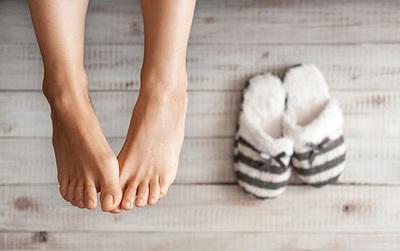 7 mẹo hàng đầu giúp bạn không bị nhiễm trùng và nứt gót chân trong mùa đông này