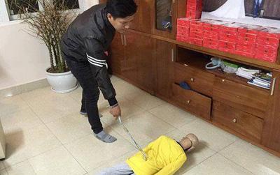 Khởi tố, bắt tạm người cha, cấm xuất cảnh mẹ kế bạo hành bé trai 10 tuổi rạn sọ não ở Hà Nội