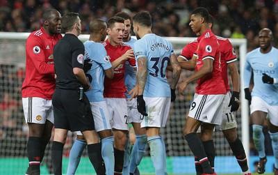 """Jose Mourinho: """"Im hết đi. Các người chưa vô địch đâu"""""""