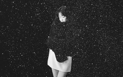 """Dân mạng ngứa mắt cứ ném đá, Taeyeon vẫn """"diệt sạch"""" các BXH với hit mới"""