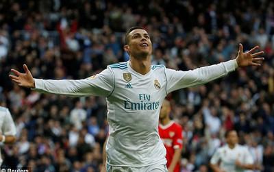 Ronaldo đến UAE để phá kỷ lục của Messi và Suarez