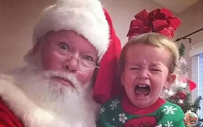 Khuôn mặt đau khổ của 13 em bé trái khoáy không thích Noel tý nào