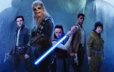 """""""Star Wars: The Last Jedi"""" hùng mạnh ra quân với 220 triệu đô"""