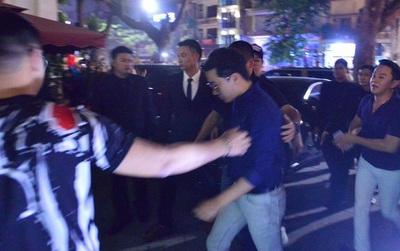 """Sau khi """"quẩy tưng bừng"""" cùng bạn bè, Seungri rời bar vào nửa đêm"""