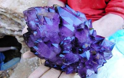 Ngắm nhìn 16 viên đá quặng được mệnh danh là tuyệt tác của tự nhiên