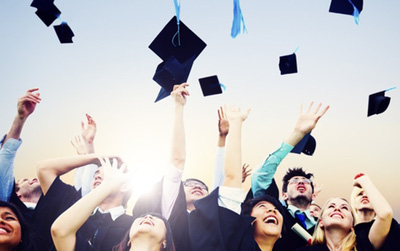 Sắp rời xa quãng đời sinh viên, vui buồn lẫn lộn là tâm trạng của bạn thời điểm này