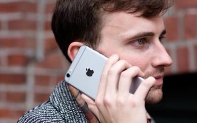 Màn hình smartphone luôn tắt khi bạn nghe điện thoại, 96% người dùng không biết lý do tại sao