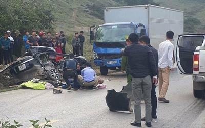 Hòa Bình: Ô tô đâm trúng xe tải chạy ngược chiều, 4 người tử vong một người bị thương nặng