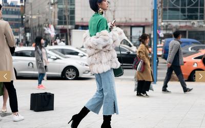 Không thua chị kém em, Phí Phương Anh lọt Top street style của tạp chí W danh tiếng