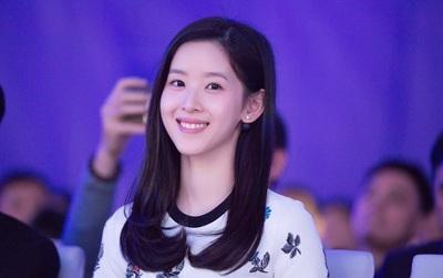 """Dù là gái 1 con, nhưng """"cô bé trà sữa"""" vẫn xinh đẹp, xứng danh hot girl số 1 Trung Quốc!"""