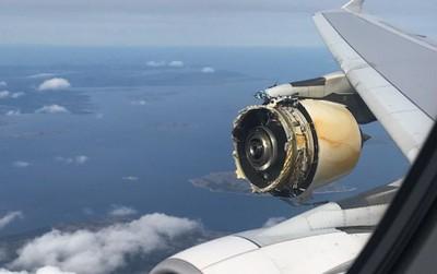 Máy bay đang bay mà hỏng một động cơ có làm sao không?
