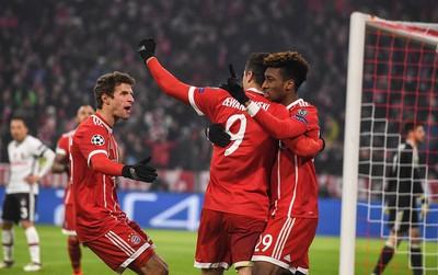 Bayern Munich hủy diệt Besiktas, đặt một chân vào tứ kết Champions League