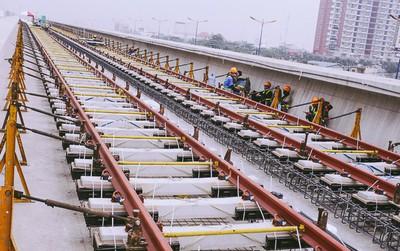 Chùm ảnh: Hơn 2,5km đường ray tàu trên cao tuyến Metro Bến Thành - Suối Tiên ở Sài Gòn đã hoàn thành