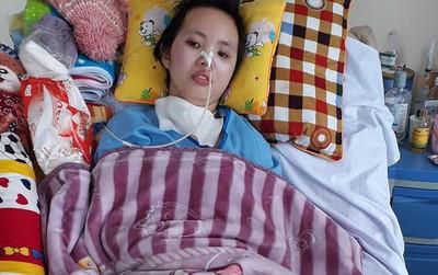 """Sinh nhật """"đặc biệt"""" của cô nữ sinh bị tai nạn giao thông, suốt nửa năm giành giật sự sống trong bệnh viện"""