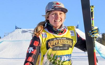 Vận động viên trượt tuyết xinh đẹp chấn thương kinh hoàng tại Olympic mùa đông