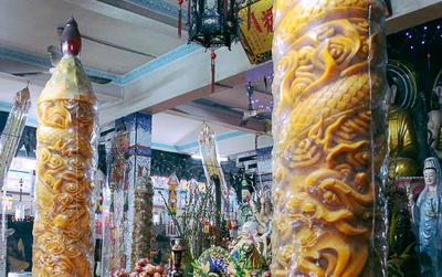 """Gặp người chế tác cặp nến """"khủng"""" nặng cả tấn lập kỷ lục Guinness Việt Nam, được bán với giá 300 triệu đồng"""