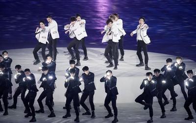 """Sân khấu bế mạc Thế vận hội: EXO bị nghi hát nhép, CL bị chê như """"mụ phù thủy"""", netizen gọi tên PSY và BTS"""