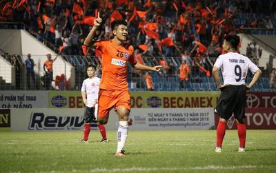 Hà Đức Chinh U23 nổ súng, SHB Đà Nẵng thắng ngược nhà ĐKVĐ V.League