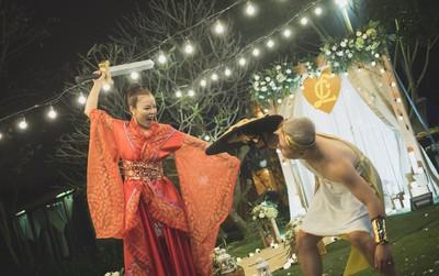 """Đám cưới phong cách """"lẩu thập cẩm"""": Cô dâu hóa Võ Tắc Thiên, chú rể cosplay thần Hy Lạp"""