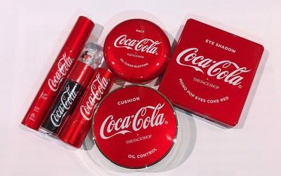 Vừa ra mắt, bộ sản phẩm của The Face Shop x Coca Cola đã được các tín đồ làm đẹp share rần rần