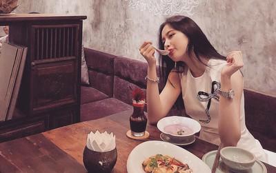 """Tại sao Angela Phương Trinh """"than trời than đất"""" bị đói vì ăn chay và đâu là cách khắc phục?"""