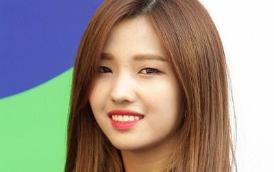 """Đặt tên girlgroup mới là """"Trẻ em"""", Cube bị netizen ném đá không thương tiếc"""
