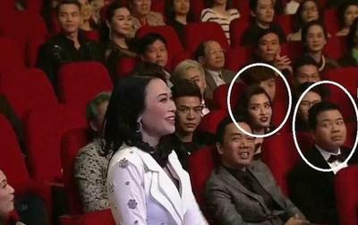 Thú vị: Mỹ Tâm đạt cú đúp giải thưởng nhưng Bích Phương lại là tâm điểm với gương mặt cực biểu cảm!