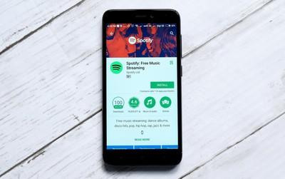 """Spotify tiết lộ có hơn 2 triệu tài khoản đang """"dùng chùa"""" gói Premium"""